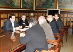 La trobada, a la Sala de Comissions