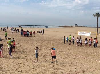 Jocs cooperatius a la platja