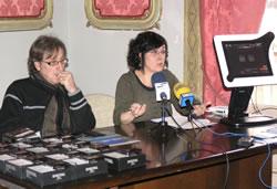 Tomàs Álvaro i la tècnic municipal Marta Montserrat, en la roda de premsa
