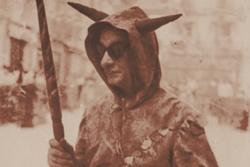 Enric C. Ricart vestit de diable