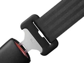 És obligatòri l'ús del cinturó de seguretat i sistemes de retenció infantil