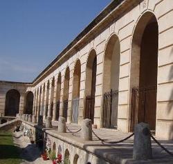Imatge interior del cementiri de VNG