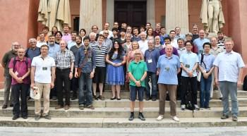 Els científics van visitar la B. M. Víctor Balaguer. FOTOS: Carles Carbonell
