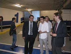 L'alcalde i diversos regidors visiten el nou aparcament