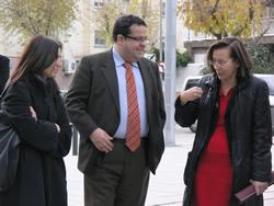 Montserrat Tura acompanyada de Joan Ignasi Elena i Mila Arcarons, aquest matí