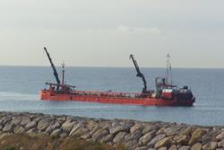 Draga al port de Vilanova i la Geltrú