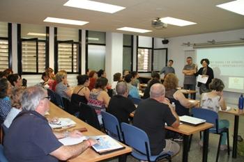 Una quarantena de persones s'han inscrit al curs, que es va inaugurar dimarts