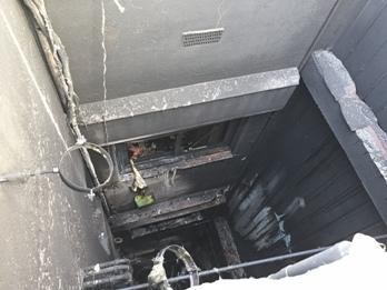 L'incendi es va inciiar als baixos i es va propagar pel celobert de l'edifici