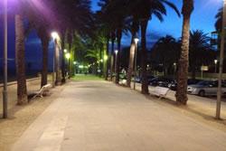 Una de les primeres mesures dutes a terme ha estat posar lluminàries de baix consum en alguns punts de la ciutat