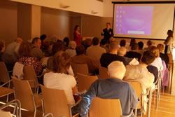 La trobada es va realitzar a la sala d'actes de la Plataforma