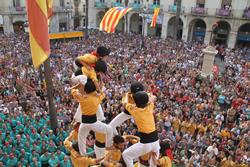 Actuació dels Bordegassos en l'exhibició castellera de 2013
