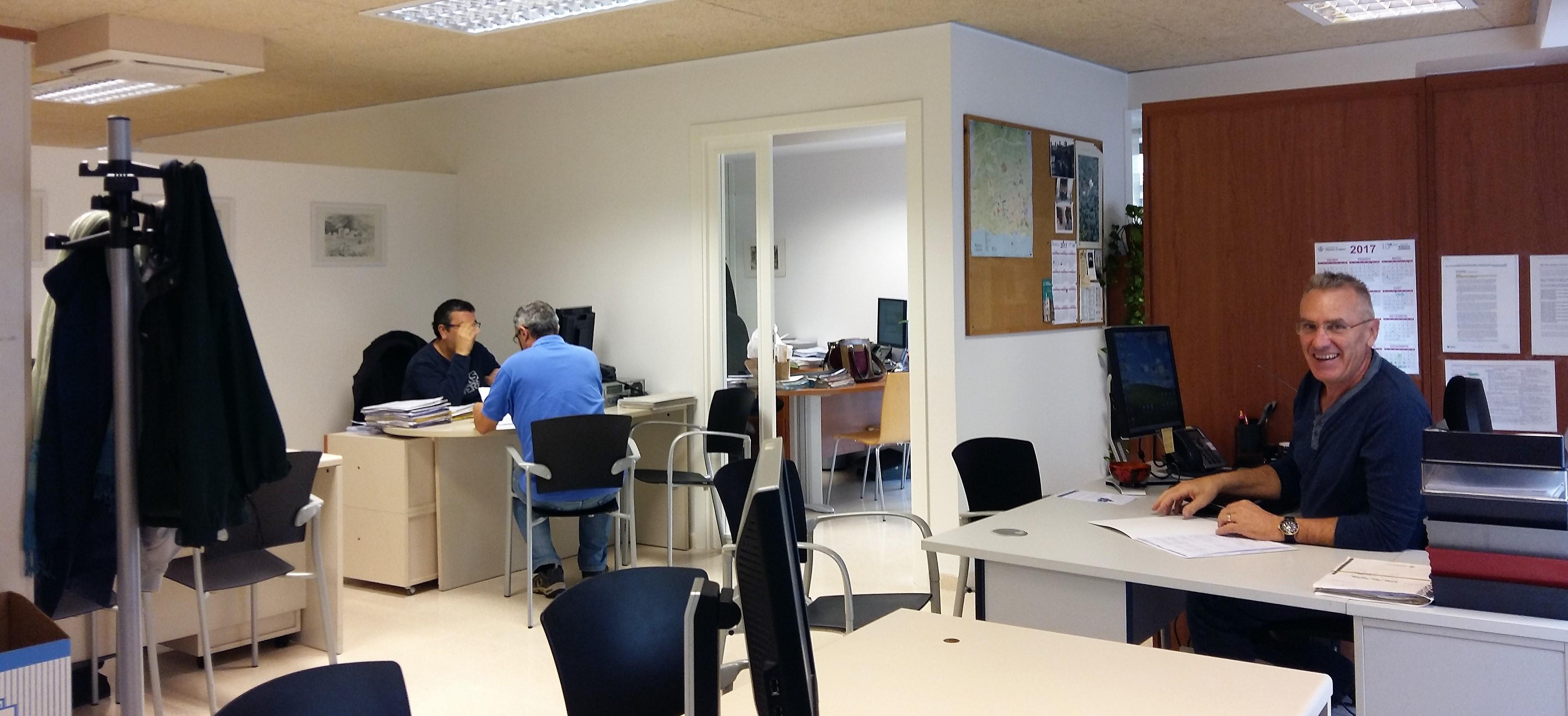 Oficina local d 39 habitatge for Oficina de habitatge