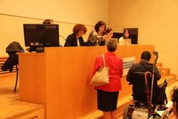 El sorteig dels pisos, que costen entre 142 i 255 euros al mes, va generar gran expectació