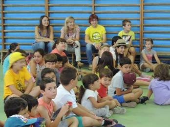 Gisela Vargas, Neus Lloveras i Blanca Albà han gaudit de les activitats preparades per als infants