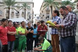Els treballadors concentrats a la plaça de la Vila s'han mostrat molt contents i han agraït l'esforç dels seus representants