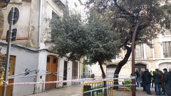 La casa afectada, a la plaça Llarga