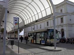 Cada mitja hora un autobús enllaçarà VNG i Barcelona