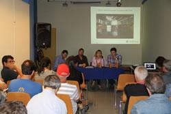 L'alcaldessa i els regidors expliquen els projectes per dinamitzar la ciutat potenciant el barri de Mar