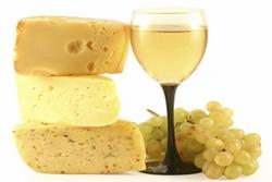 La primera activitat serà un tast de vins i formatges divendres