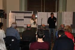 L'alcaldessa, Neus Lloveras i el regidor Joan Giribet, durant la cloenda del taller