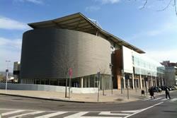 L'article parla de la importància de les noves tecnologies en el manteniment dels edificis