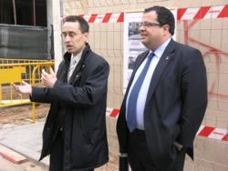 Xavier Oller i Joan Ignasi Elena en la visita d'obres del carrer de l'Aigua