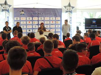 La regidora d'Esports, Blanca Albà, ha donat la benvinguda a tots els participants
