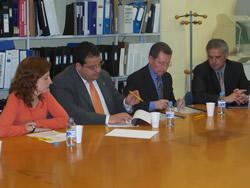 Signatura del conveni entre el CFO La Paperera i AUCAT
