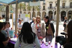 La plaça de la Vila ha acollit el mercat de joves emprenedors per quart any consecutiu