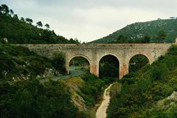 Aqüeducte de conducció d'aigua, barranc de Coma Pineda