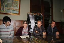 La regidora de Cultura i membres de la FAC es van trobar amb la premsa al Cafè del Foment