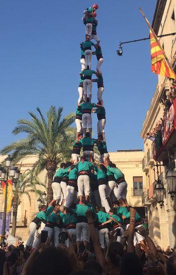 Els Castellers de Vilafranca van descarregar el 3 de 10 amb folre i manilles dissabte