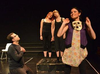 La companyia de teatre Brots presenta 'Ella'