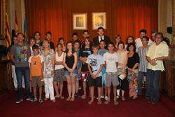 El grup va ser rebut a la Sala de Plens de l'Ajuntament