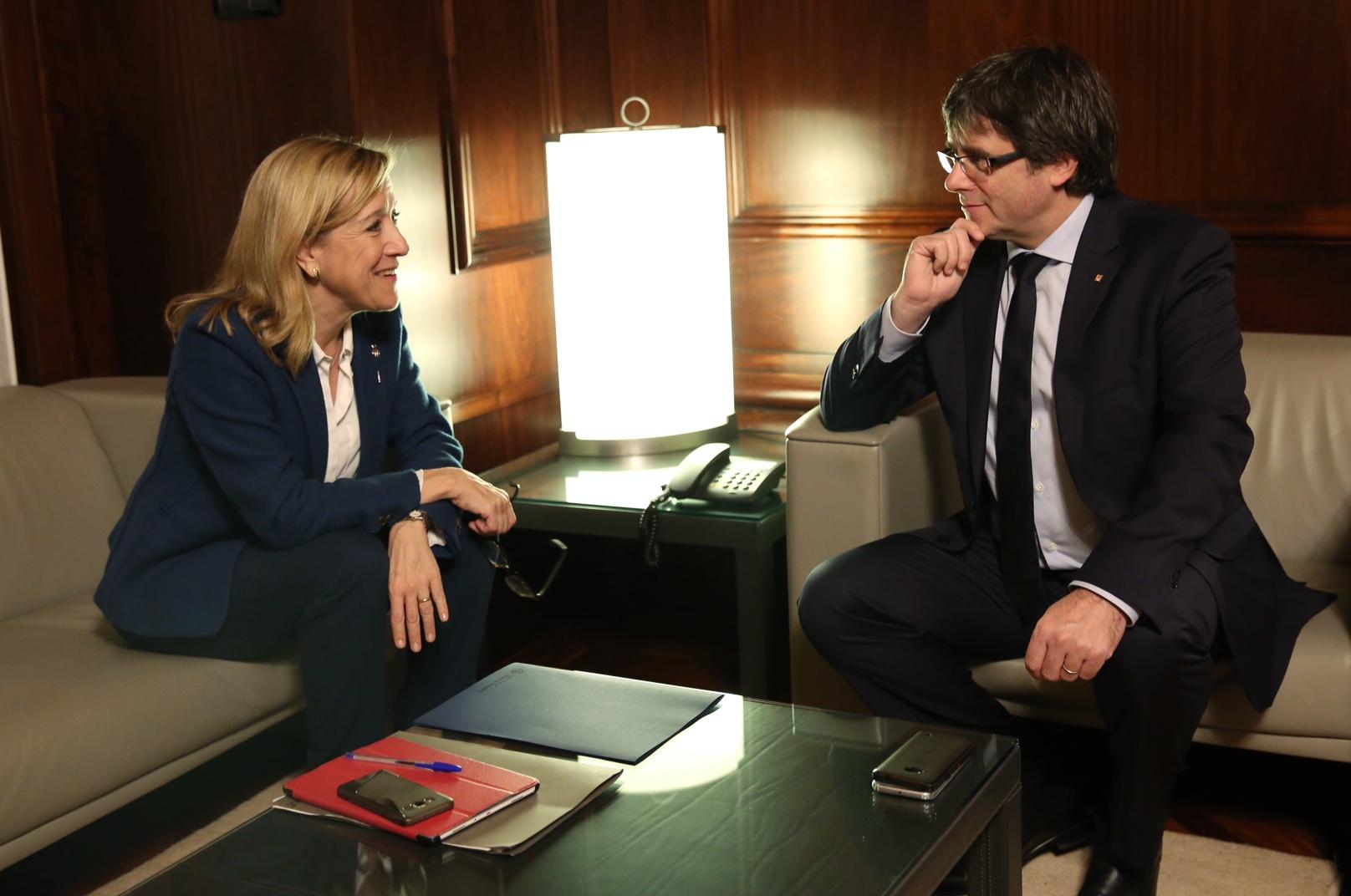 Lloveras i Puigdemont, reunits ahir al Parlament. Foto: JORDI BEDMAR
