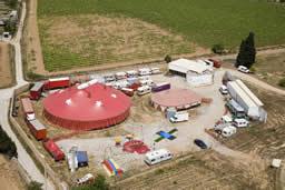 La Vela, Centre de creació i residència per a companyies de circ i de creació per a artistes