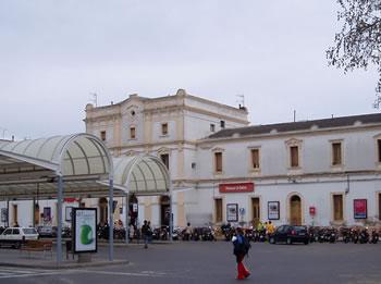 L'estació de RENFE a VNG