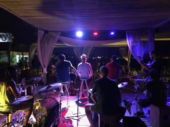 Actuació del grup Alricokoco