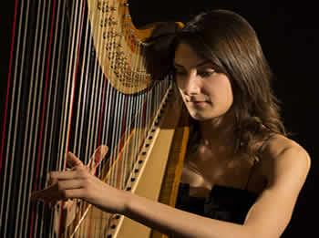 Esther Pinyol s'ha fet un nom en el món de l'arpa