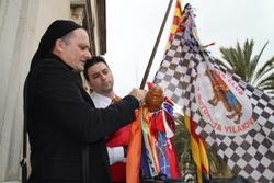 Els convidats podran posar les llaçades a les banderes de les diferents entitats