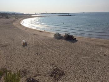 Dispositiu de neteja de les platges el dia 24 al matí
