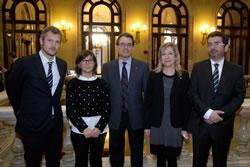 Els membres del govern vilanoví, amb el president de la Generalitat. Foto: Generalitat/Ruben Moreno