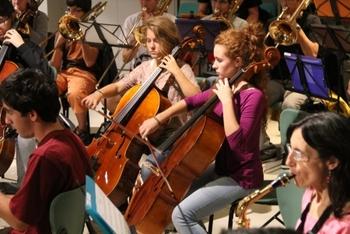 Els carrers, places i biblioteques de la ciutat s'ompliran d'actuacions musicals