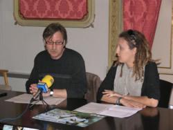 El regidor Tomàs Álvaro amb la presidenta d'Endimari, Jessica Amate