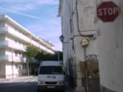 Fins ara l'stop el troben els vehicles que circulen pel carrer de Santa Maria