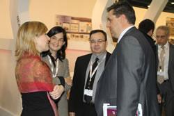 Neus Lloveras i el director de Desenvolupament de Negocis Mòbils de la Generalitat, Sergi Marcen