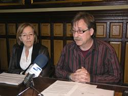 Tomàs Álvaro i Eugènia Ribalta han presentat el resum d'activitat de l'OMIC