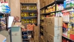 Les prestatgeries del magatzem de Càritas del Banc de Queviures van quedar plenes a vessar dissabte a la nit
