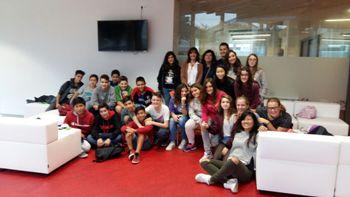 Els alumnes ribetans al viver d'emporeses del Crea&Co amb Ariadna Llorens, regidora d'innovació i TIC