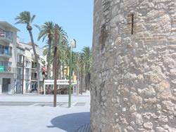 Es renova el pas de vianants del final de la rambla de Lluís Companys